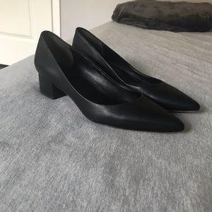 Via Spiga Black Pointed Shoe